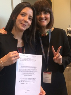 La Dra. Ortiz premiada en el el congreso internacional de metástasis hepáticas junto a su tutora la Dra. Élez.