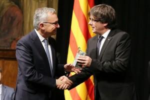 Josep Baselga recibe el XXVIII Premio Internacional de Catalunya | Residentes de oncología de Vall d'Hebron