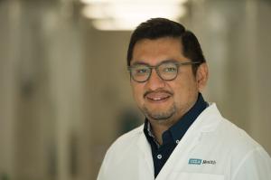 Dr. Davis Torrejón